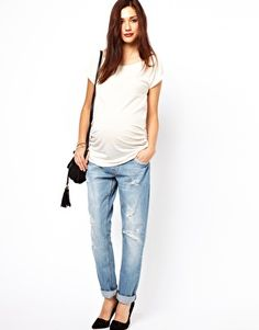 Kourtney Going Casual In Ripped, Boyfriend Jeans; A White Tee; And ...