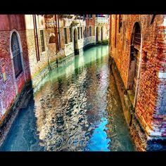 Steven Krohn - Google+ - Sunlight and Reflections on a canal, Venice, Italy…