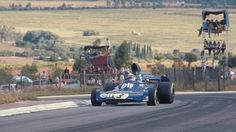 Jackie Stewart on his way to victory in 1973 South African GP. Jackie Stewart, Ford Motor Company, Gp Do Brasil, F1 S, Indy Cars, Car And Driver, Formula One, Fun To Be One, Grand Prix