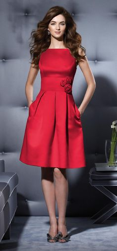 Cute Christmas party dress! And, you could wear this to the Office Christmas party! www.annjaneliving.com
