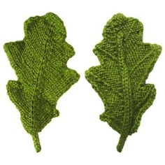 front and back of a knitted oak leaf - free pattern, pdf available - many other interesting patterns on site Leaf Knitting Pattern, Knitted Flower Pattern, Knitted Flowers, Knitting Stitches, Knitting Patterns Free, Knit Patterns, Free Knitting, Flower Patterns, Free Pattern
