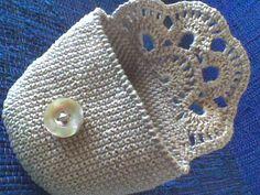 best ideas for crochet bag pattern free clutches coin purses Crochet Diy, Love Crochet, Crochet Gifts, Crochet Clutch, Crochet Handbags, Crochet Purses, Crochet Bags, Crochet Baskets, Crochet Stitches