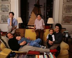 In an archive story from we look back at Graydon and Cynthia Carter's life with their four children in one of New York's most venerable apartment buildings. Sovereign Wealth Fund, Paris Flat, Graydon Carter, People News, Buy Chair, Chrysler Building, Country Style Homes, Queen Mary, Life Magazine
