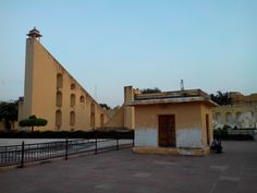 http://travelinjaipur.com/medium-budget-hotels-in-jaipur