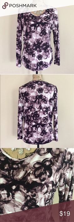 """Simply Vera purple floral top Shades of purple and ivory floral print top from Simply Vera by Vera Wang. Modest scoop neck, gentle curved hem, long sleeves. Size L. 100% rayon. Excellent condition. Machine wash. Bust measures 20"""", length 25"""".  ⭐️ Simply Vera Vera Wang Tops"""