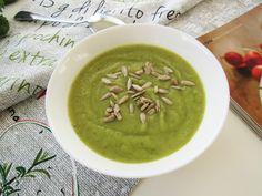 Zupa krem z brokułów i zielonego groszku