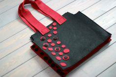 Kırmızı Benekli çantamızın fiyatı 25 TL dir. dilediğiniz her renk ve boyutta yapılabilmektedir. sipariş için : gzdeabay@hotmail.com dan benimle irtibata geçiniz :)