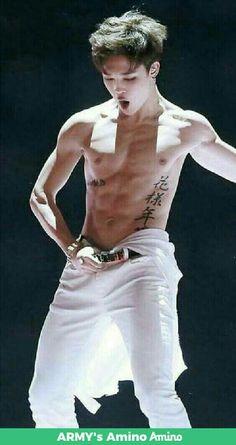 Jimin from Bts at Mama 2014 Bts Jimin, Jimin Hot, Bts Bangtan Boy, Taehyung, Namjoon, Park Ji Min, Foto Bts, Wattpad, Jin