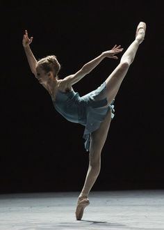 Léonore Baulac in Forsythe's Blake Works I. Photo by Ann-Ray, courtesy Paris Opera Ballet
