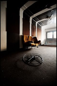Abandon.    Urban Exploration