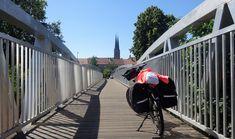 Juli_e_cycle sur les chemins de Halage de la Sarre: entre patrimoine urbain, industriel et culturel. Ici, mon coup de coeur du jour: la petite ville médiévale de Sarralbe au bord de la Sarre. #velo #bicyclette #veloelectrique #ebike #vae #tourdefrance #cyclingtour #cyclotourisme #RestartCycleTourism #france #frankreich #alsace #alsacebossue #sarre #saar #sarralbe #canaux #cyclingtour #juli_e_cycle #velafrica