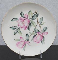 Homer Laughlin Pink Magnolia Rhythm China Art Plate, 1950s Vintage Dinnerware Vintage Dinnerware, China Dinnerware, Plate Art, Homer Laughlin, China Art, Flower Wall Decor, Ceramic Flowers, Pink Flowers, Magnolia