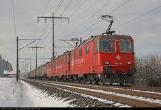 Net Photo: 430 436 Crossrail Re Re 436 at Lyssach, Switzerland by Stefan Wullschleger Location Map, Photo Location, Swiss Railways, The Golden Years, Electric Locomotive, Headers, Switzerland, Trains, Image