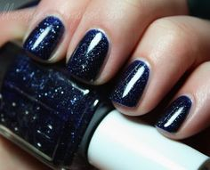 i practically just squealed; i love this SO much. essie's starry starry night. ESSIEEE please be my best friend.