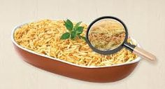 Anelize Lopes: Salada Refrescante: 1 repolho mole fatiado (ou acelga)/1 peito de frango cozido e desfiado /1 pote de iogurte natural (ou creme de leite)/ Temperos a gosto: cheiro verde/ hortelã/ manjericão/ sal/ azeite – Bata esse molho no liquidificador e misture no repolho e no frango. Por cima uma camada generosa de batata palha…