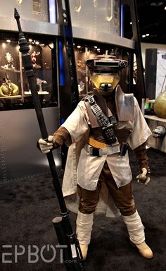 EPBOT: Star Wars Celebration VI - This is a killer Leia costume.