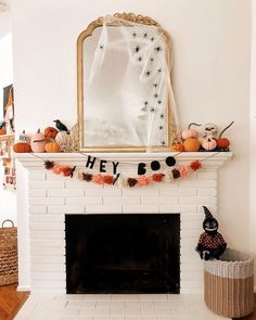 🎃Halloween Home Tour Loop🎃 I've teamed up with some of my favorite ghouls to share our Halloween Decor with you! We hope you love it. Halloween Inspo, Halloween Home Decor, Halloween House, Halloween 2020, Holidays Halloween, Fall Home Decor, Spooky Halloween, Halloween Crafts, Halloween Party