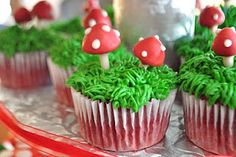 Sawyer's birthday was a Woodland Fairy & Friends themed party. I set the cupcakes up like this just to get a shot before I packed them u. Fairy Cupcakes, Mini Cupcakes, Cupcake Cakes, Garden Cupcakes, Velvet Cupcakes, Themed Cupcakes, Mushroom Cupcakes, Mushroom Cake, Muffins