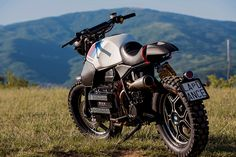 How to turn BMW's flying brick into a scrambler