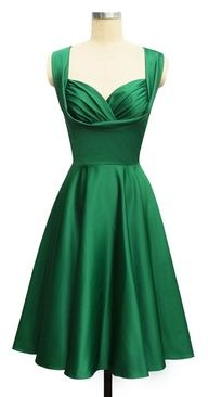 Nice style for a bridesmaid dress - emerald green dress; 50s Dresses, Vintage Dresses, Vintage Outfits, Vintage Fashion, Vintage Style, Vintage Green, Dresses 2014, 1920s Style, Vintage Glamour