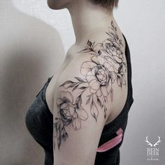 Charming Shoulder Tattoo Designs For Women - Page 57 of 61 - Kornelia Beauty Back Of Shoulder Tattoo, Shoulder Tattoos For Women, Back Tattoo Women, Gorgeous Tattoos, Love Tattoos, Body Art Tattoos, Sexy Tattoos, Unique Tattoos For Women, Tattoo Designs For Women