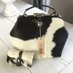Koeienhuid tas, cowskin bag, cowhide bag, black&white leather bag by Tuttinero.