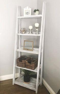 Cheap Home Decor, Diy Home Decor, Ladder Shelf Decor, Ladder Bookshelf, Diy Ladder, Bookshelf In Kitchen, Bathroom Ladder Shelf, Ladder Display, Rustic Ladder