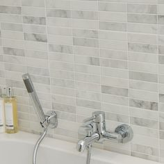 A Classic Pre-Scored Tile that can be used as a feature splashback over a basin or showering area. A Classic marble look that brings a stylish look to any home. Also available within the Carrara range is the Floor tile.