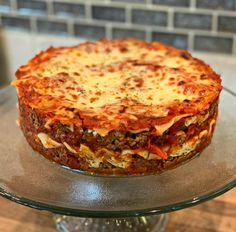 BEST EVER Instant Pot Lasagna - The Cookin Chicks All the flavors of the classic dish you love, made even easier using the Instant Pot! This Instant Pot Lasagna is delicious comfort food at its finest! Instant Pot Lasagna Recipe, Instant Pot Dinner Recipes, Instant Pot Pressure Cooker, Pressure Cooker Recipes, Slow Cooker, Pressure Cooking, Instapot Lasagna, Crockpot Recipes, Cooking Recipes