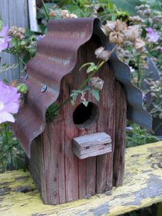 Bird House Kits Make Great Bird Houses Garden Crafts, Garden Projects, Garden Ideas, Bird House Feeder, Rustic Bird Feeders, Bird Houses Diy, Bird House Crafts, Homemade Bird Houses, Decorative Bird Houses