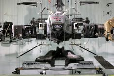 Incredible Suspended Deconstruction of an F1 Car - My Modern Metropolis