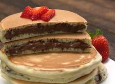Ingredients 10 to 14 tablespoons Nutella® PANCAKES cups all-purpose flour 3 tablespoons granulated sugar 1 tablespoo. Breakfast Snacks, Breakfast Lunch Dinner, Breakfast Time, Cookie Dough Pie, Nutella Pancakes, Griddle Cakes, Hot Dog Buns, Sweet Recipes, Food And Drink