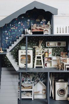 Modern dollhouse design inspo #dollshouse #dollhouse #dollhouseinspo #moderndollhouse