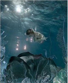 Ethereal Underwater Fashiontography by Zena Holloway ...