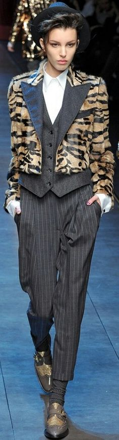 DOLCE & GABBANA FALL 2011 READY-TO-WEAR Ready To Wear, Boss, Chic, How To Wear, Collection, Animal, Fall, Style, Fashion