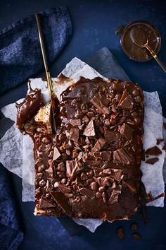 Daim-kakku | Maku Sweet Pastries, Piece Of Cakes, Something Sweet, Let Them Eat Cake, Sweets, Candy, Chocolate, Baking, Breakfast