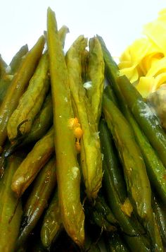 Bacon, Butter, Cheese & Garlic: Garlicky Roasted Green Beans