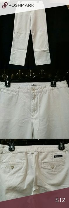 Tommy Hilfiger khaki pants. SALE $ 5 WHEN BUNDLED Zip front, small front pocket, 2 back pockets, 100% cotton Tommy Hilfiger Pants