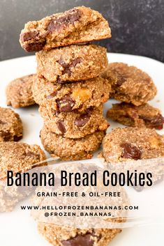 These Banana Bread Cookies are literally banana bread in cookie form! They are soft and delicious. As an added bonus, they are grain-free and oil-free! Pear Upside Down Cake, Banana Bread Cookies, Snack Recipes, Snacks, Thing 1, Foods With Gluten, Cookies Ingredients, Dark Chocolate Chips, Frozen Banana