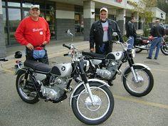 John and Terry, happy scrambler guys! Honda Scrambler, Scrambler Motorcycle, Vintage Honda Motorcycles, Cars And Motorcycles, Honda Motors, Car Insurance, Hot Cars, Vintage Japanese, Motorbikes