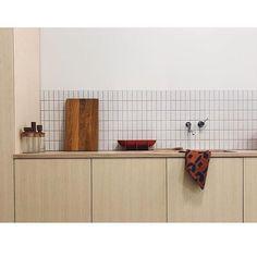 Home Interior Classic Interior Desing, Home Interior, Kitchen Interior, Interior Design Living Room, Kitchen Dinning, Kitchen Tiles, Kitchen Decor, Kitchen Design, Layout Design