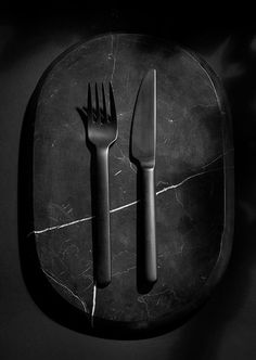 The New Norm Cutlery in black is a part of the New Norm Dinnerware series. The cutlery is designed to work with all kinds of meals and will suit everything from starters and entrees to desserts, lunches and midnight snacks. www.menu.as