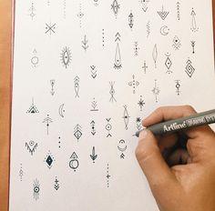 Small handmade details for Laura – Hand Tattoos Simbols Tattoo, Flash Tattoo, Tattoo Flash Sheet, Poke Tattoo, Tattoo Hand, Finger Tattoo Designs, Small Finger Tattoos, Small Tattoos, Tattoos For Guys