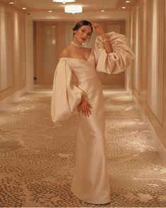 Modern Filipiniana Styles For The Modern Filipino Bride - Modern Filipiniana Gown, Filipiniana Wedding, Sarah Lahbati, Queen Wedding Dress, Wedding Dresses, Grad Dresses, Bridal Gowns, Evening Dresses, Taffeta Dress