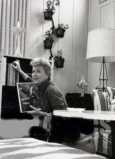 Doris Day with a Sinatra album.