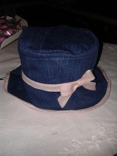 Cappellino Cloche