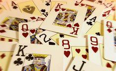 Một câu hỏi đã tồn tại từ rất lâu trong làng game bài – đó là lý do gì mà phái đẹp lại thích chơi đánh bài tiến lên miền Nam? Hãy cùng tìm hiểu nhé!