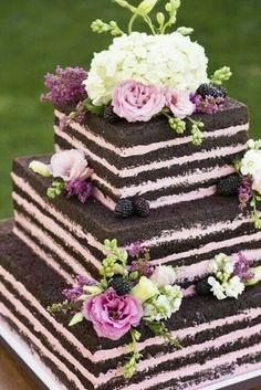 Matrimonio.it   Torte alte #weddingcake #wedding #flowers #chocolate