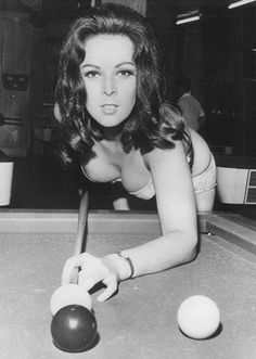 She never has to rack because her rack is so distracting! #pool #billiards #hustler