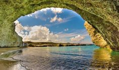 The beach Alogomandra inside a cave in Milos island Cyclades Places To Travel, Places To Visit, Paradise On Earth, You Are Amazing, Photo Story, Beautiful Places In The World, Heaven On Earth, New Artists, Greece
